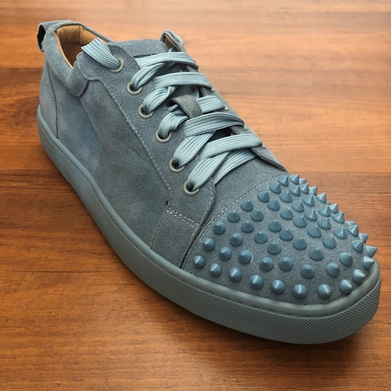 big sale 1bbaf 14ee6 Christian Louboutin Louis Junior Spikes cyan Flat Suede Sneakers